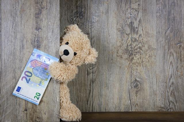 Românii pot cumpăra jucării cu... Bitcoin