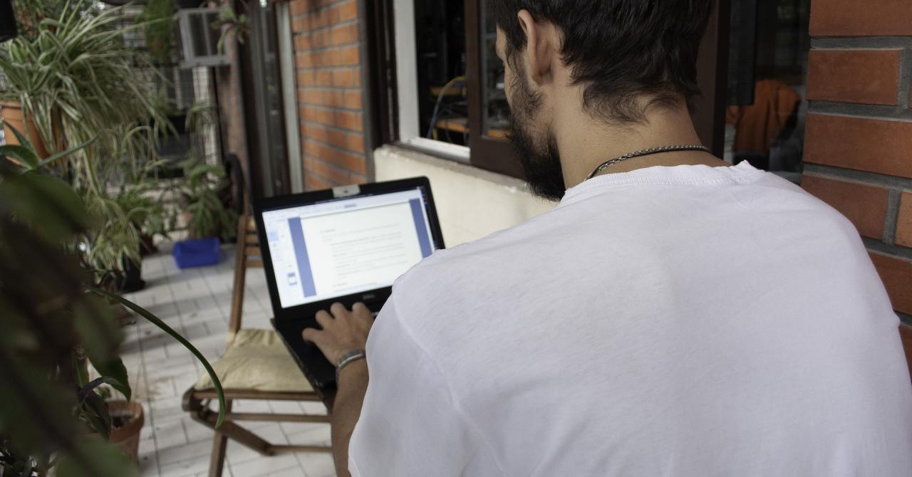 Piața muncii transformată: angajații părinți vor acum să lucreze de acasă