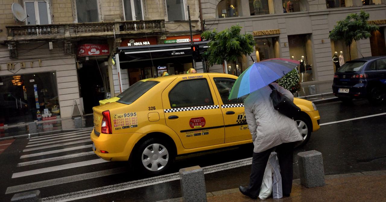 Uber și Taxify (Bolt), scoase în afara legii de Guvern