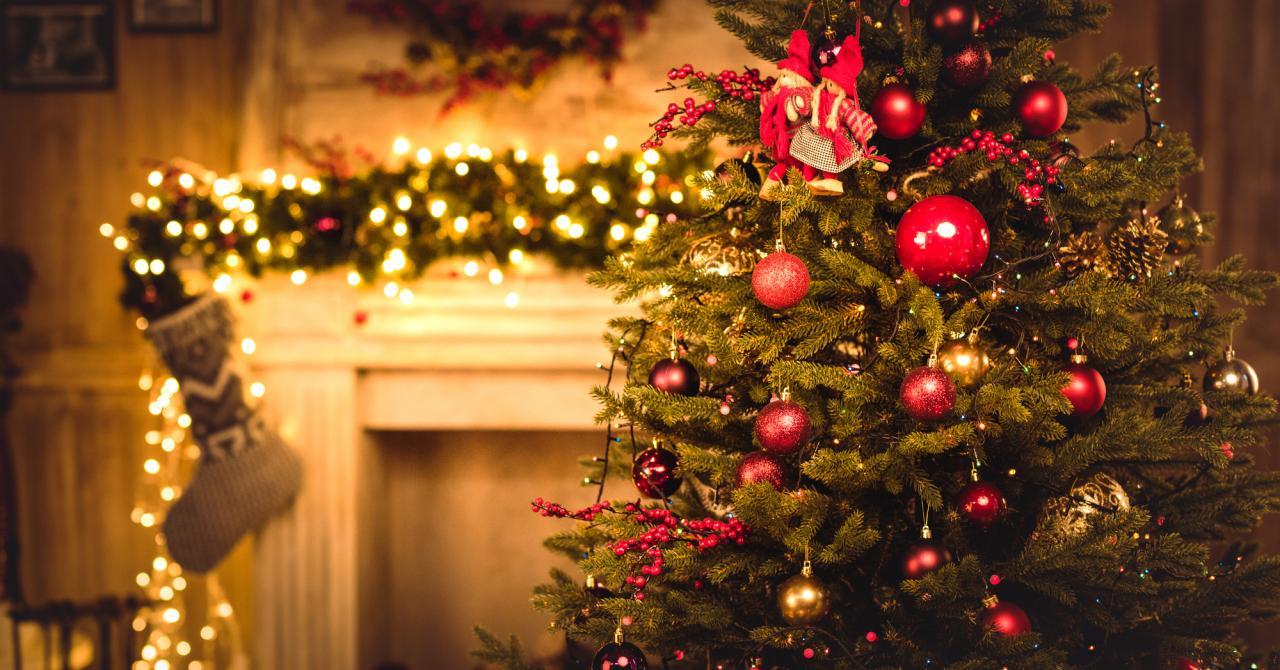 Moș Crăciun nu mai vine pe horn: vine pe internet sau de Black Friday