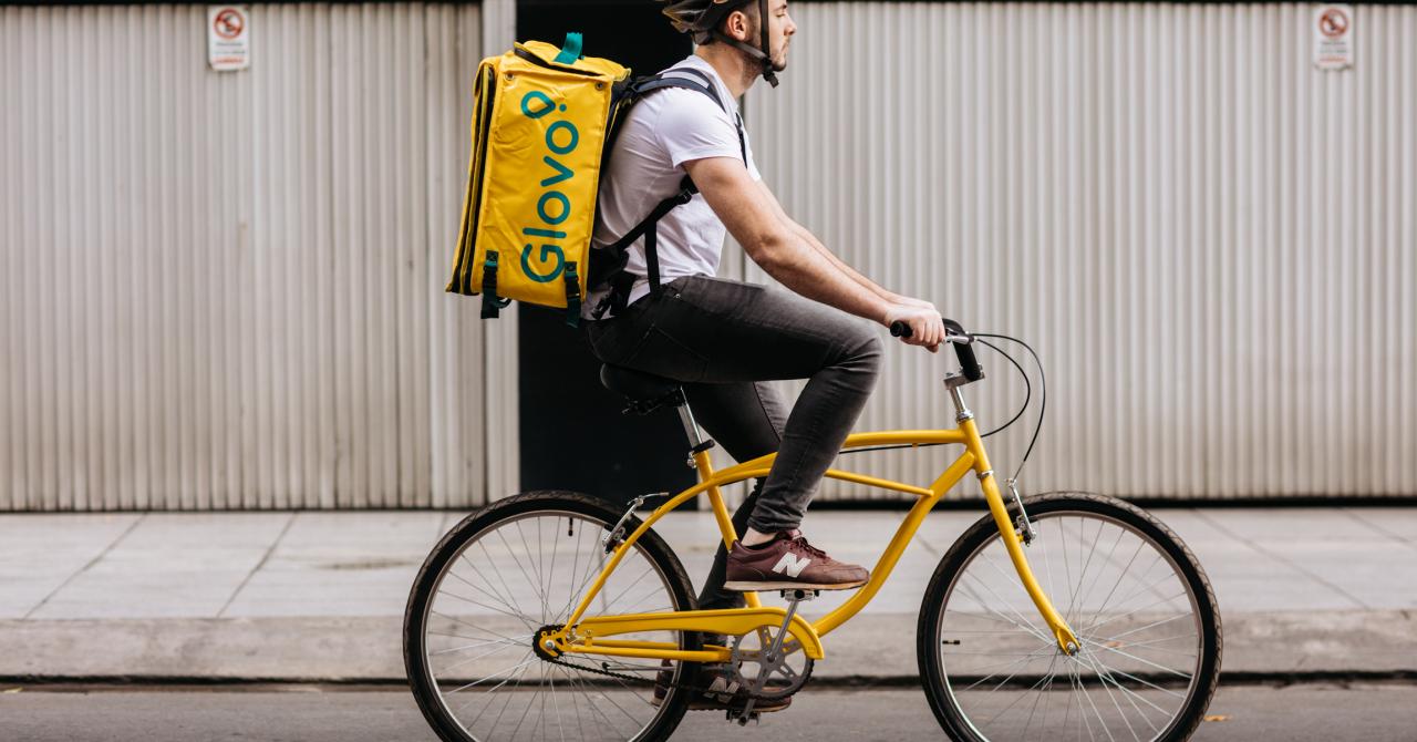 Glovo lansează Q-Commerce ca să livreze de la branduri mari și supermarketuri