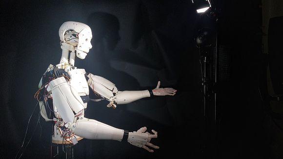 Cursuri gratuite: finlandezii te învață despre inteligența artificială