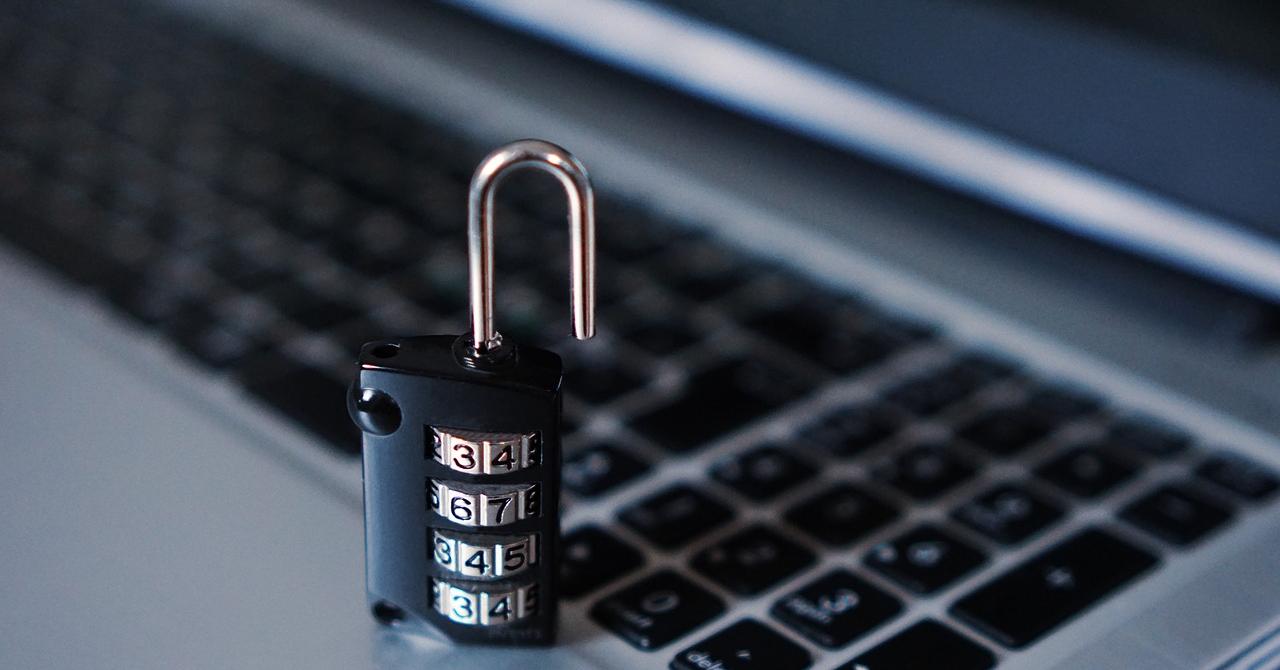 Cursuri de programare: ajută companiile să-și protejeze datele