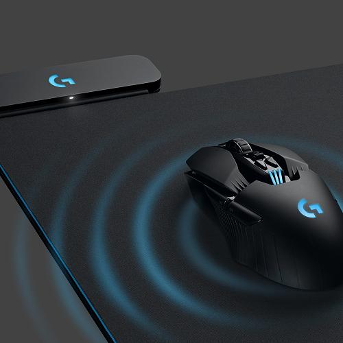 Acest mousepad de la Logitech îți încarcă wireless mouse-ul