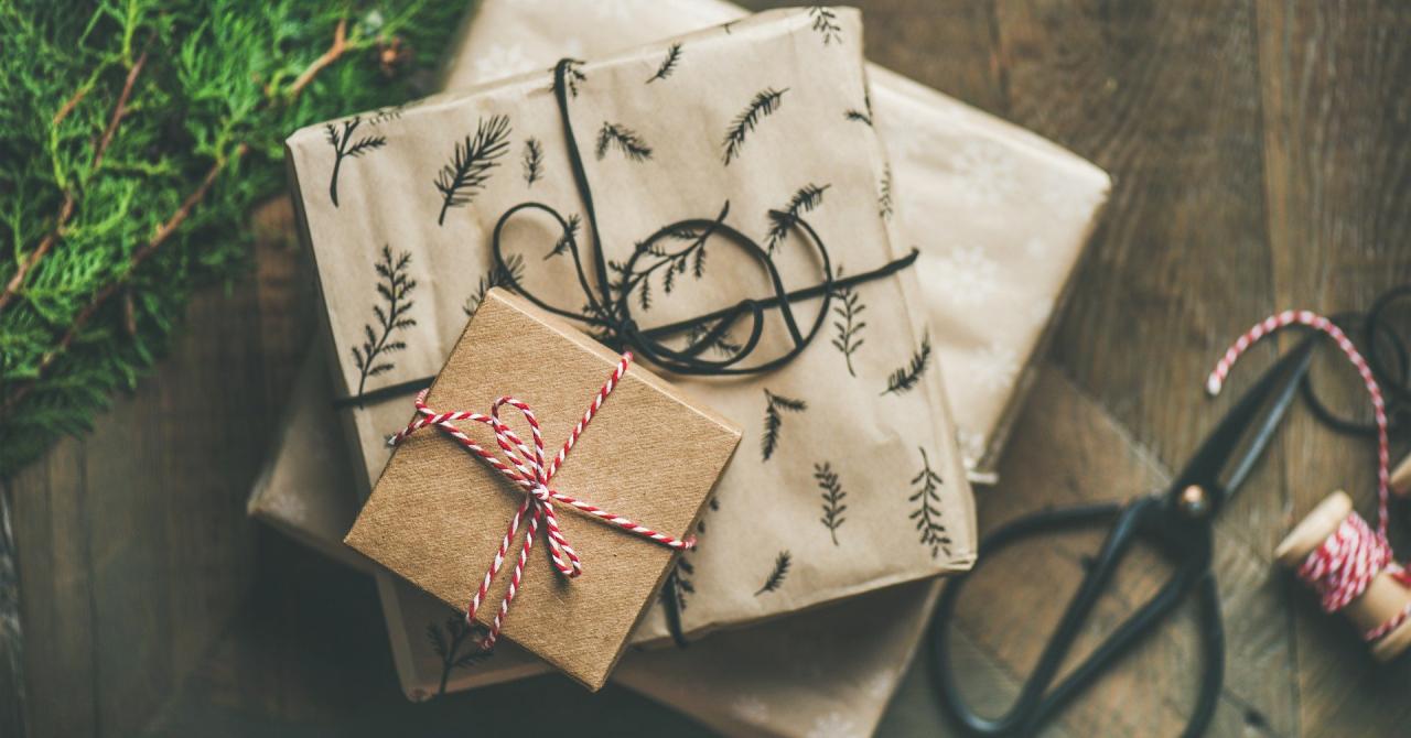 Cadouri de Crăciun 2020: vom plăti mai mult, dar vom cumpăra pentru mai puțini