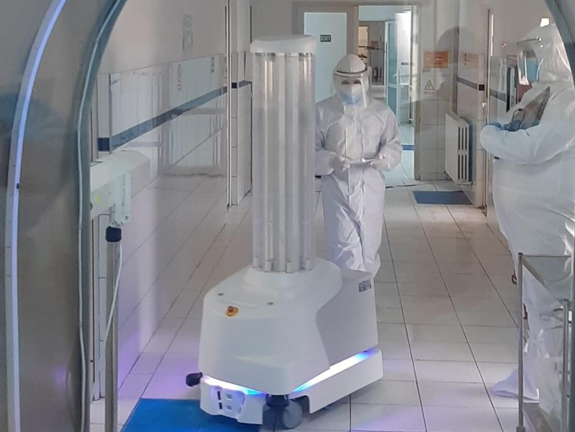 Bucharest Robots a dotat Spitalul Constanța cu un robot de dezinfecție