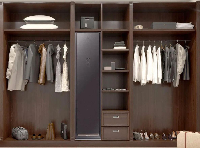 Samsung lansează în România AirDresser, dulapul smart care curăță hainele