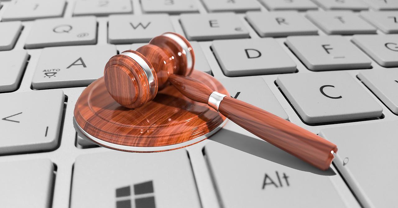 Prima societate de avocați din România care operează și pe blockchain