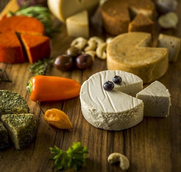 Idei de afaceri: 1 mil. euro din brânză și iaurturi vegetariene