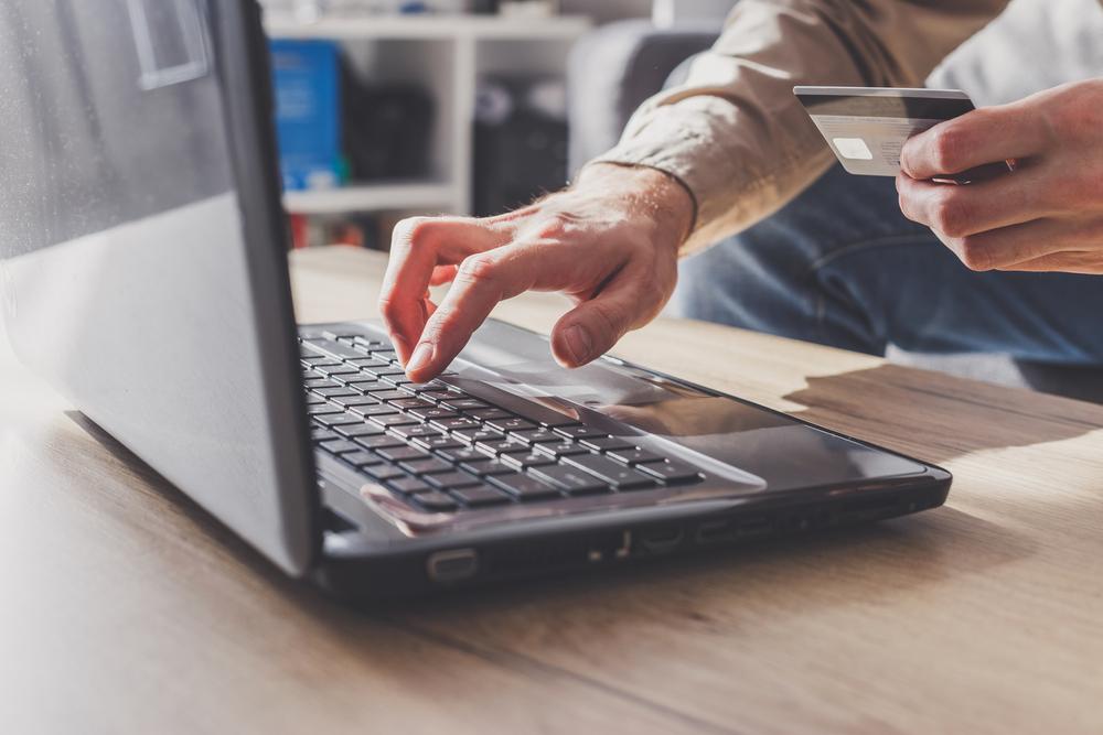Analiza pieței de IFN-uri: de unde pot lua românii credite online avantajoase