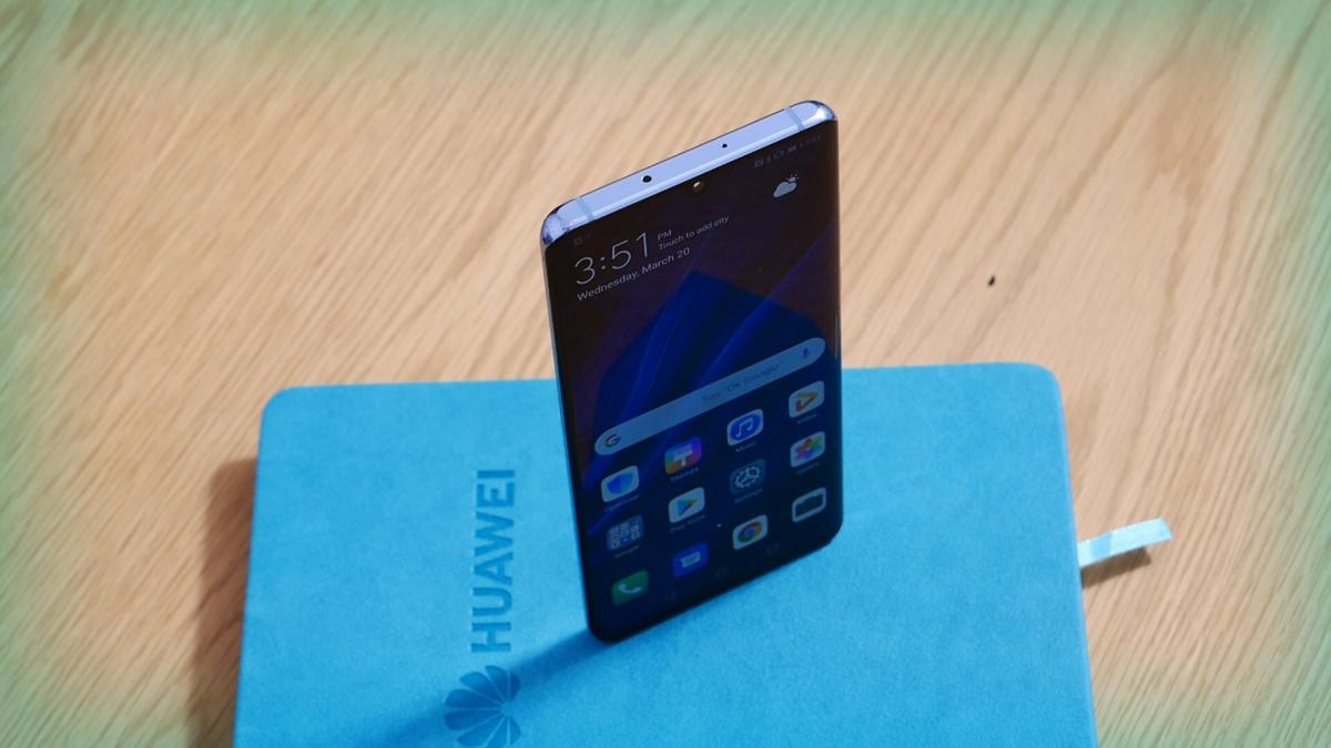 Ia-ți un Huawei P30 și primești o imprimantă foto portabilă