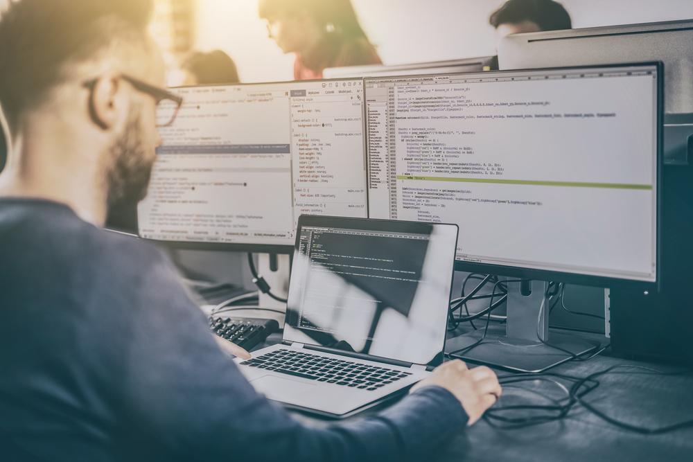 Asigurarea IT: De ce să-ți asiguri munca dacă ai o firmă de dezvoltare software?