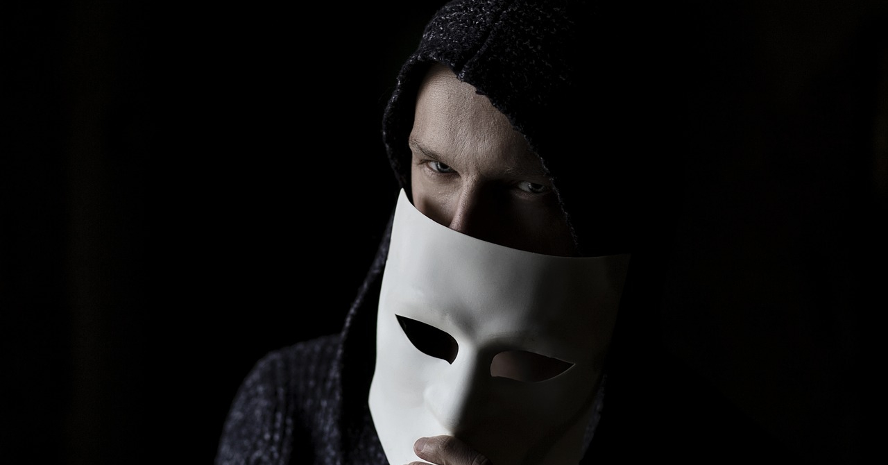 Crește numărul companiilor care au pierdut bani în favoarea hackerilor