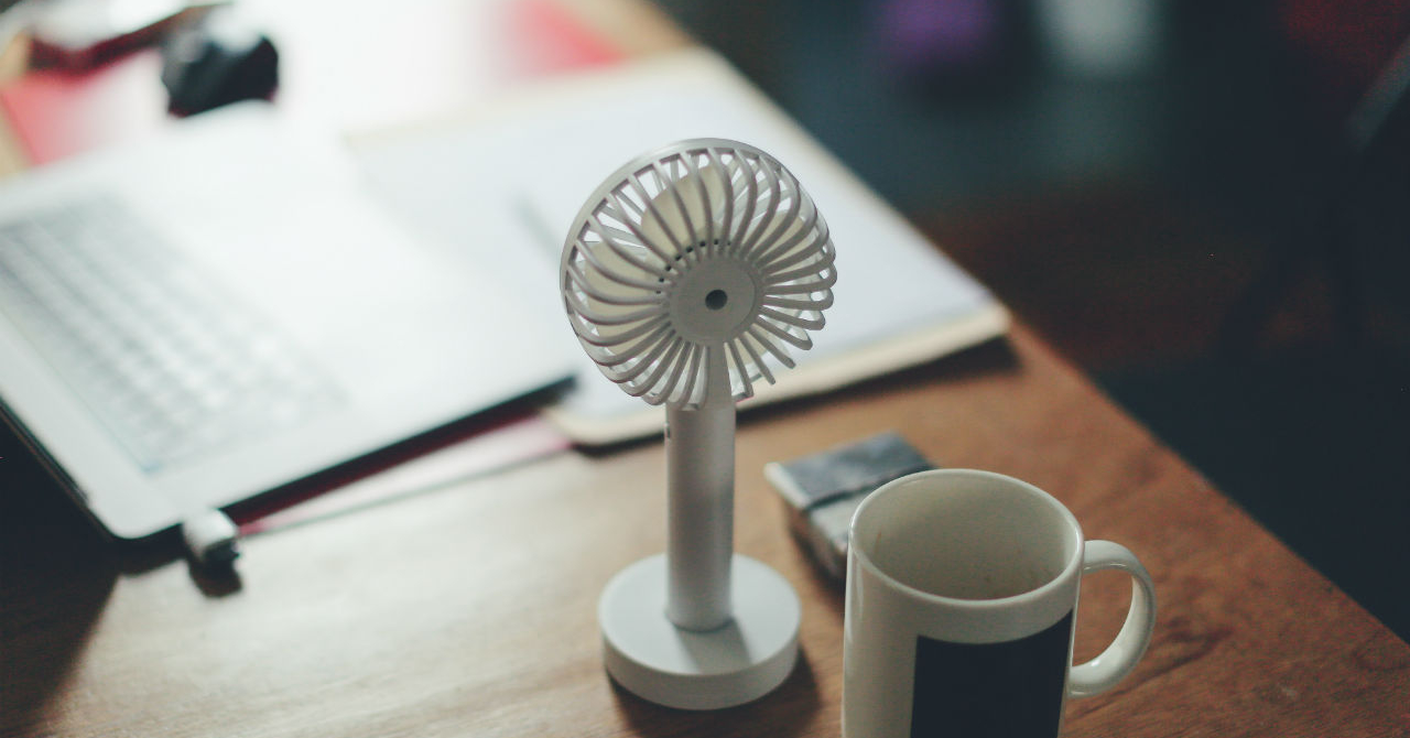 Ventilatoare de birou, ca să-ți gândești afacerea la rece