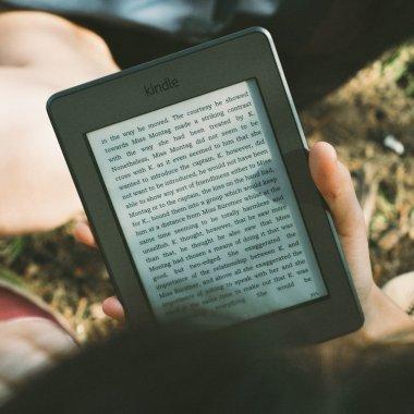 Cărțile în epoca aplicațiilor. Un startup românesc ajunge la acceleratorul olandez Renew the Book