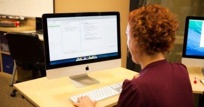Ce tehnologii trebuie să înveți în IT ca să câștigi mai bine