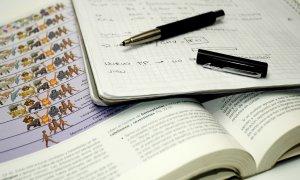 Tinerii pot aplica la prima facultate practică de afaceri - studiezi în timp ce îți faci un startup
