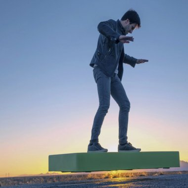 Hoverboard-ul ARCA se apropie de data lansării. Prețul final este de 14.900 de dolari