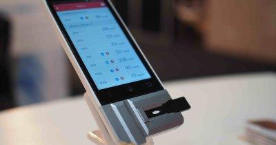 Am descoperit startup-ul care a creat un telefon care îți face analize de sânge în 90 de secunde