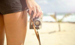 Cum se schimbă turismul: românii încep să-și rezervele vacanțele de pe telefonul mobil