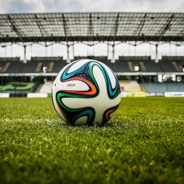 Un startup din București îți aduce biletele la Steaua-Dinamo în doar două ore