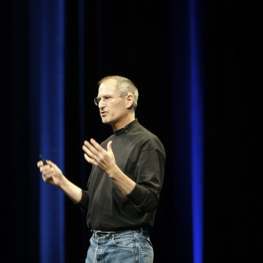 iPhone la 10 ani. După mai bine de un miliard de telefoane, unde se duce Apple?
