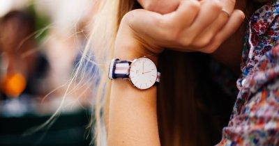 Trei smartwatch-uri pentru femei