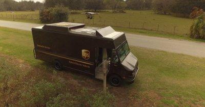 UPS testează livrarea rezidențială cu drone