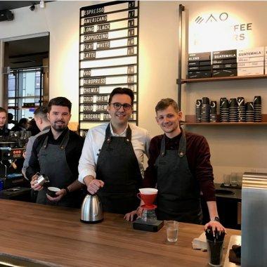 Doi clujeni cu business-uri în zona de food investesc 500.000 de euro într-o rețea de cafenele pe care vor să o ducă și în SUA și Algeria