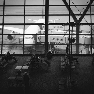 Românii care te ajută să îți recuperezi banii pe zboruri întârziate