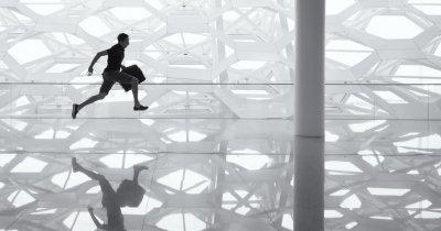 Cum să fondezi un startup fără să o iei razna