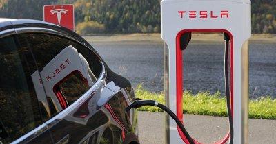 Chinezii de la Tencent au luat 5% din Tesla