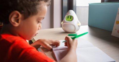 Românii de la Woogie, campanie de crowdfunding pentru robotul de copii