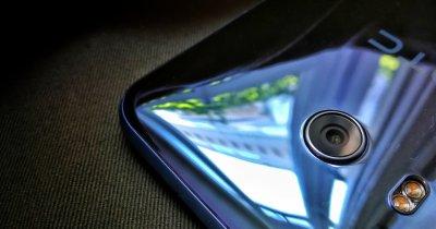 HTC U11, primele impresii: reflexii limpezi ca apa pe o piață tulbure