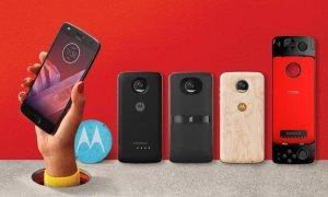 Moto Z2 Play, un telefon cu patru accesorii noi, inclusiv de gaming