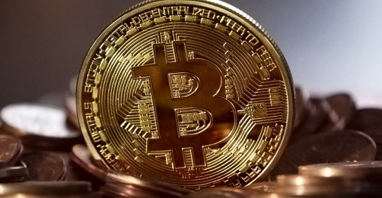 oameni care au cumpărat bitcoini