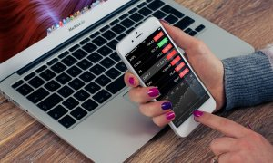 Cum îți crești afacerea vara: mută-ți reclamele pe mobil