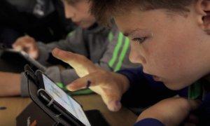 """""""Țara nu va mai avea proști!"""": 30 de școli înscrise la Digitaliada"""