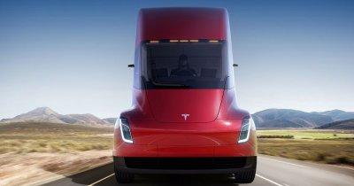 Curierul vine cu camionul electric de la Tesla