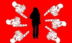 Hărțuirea pe Internet: când teama de a deveni victimă duce la violență