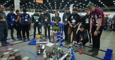 RoboRomânia - semifinaliști la Campionatul Mondial de Robotică