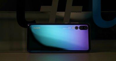 Huawei lansează un smartphone pliabil