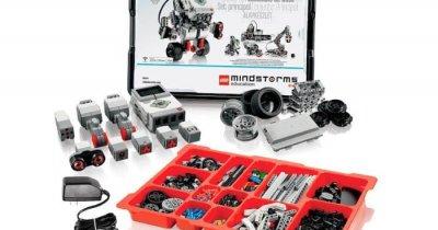 """""""Construiește"""" cod & roboți cărămidă cu cărămidă"""