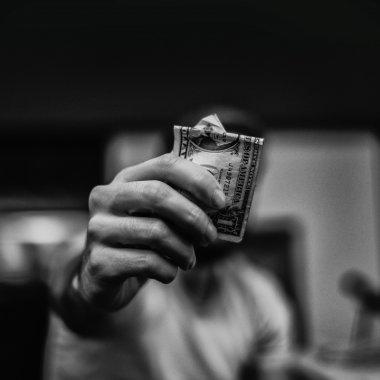 Companii care au crescut fără să aibă bani la început. Cum o faci?