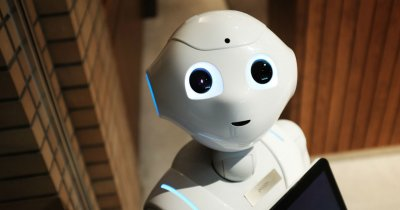 Roboții sunt gata să intre în Europa. Ce spun companiile?