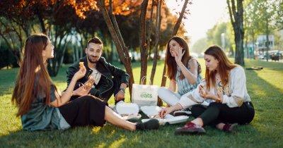 Uber Eats elimină taxa de livrare vara. Shaorma, preferata românilor