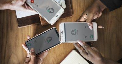 Comunicăm mult, dar nu față-n față: stăm miliarde de ore pe WhatsApp