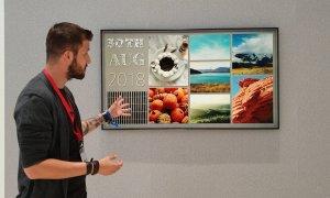 IFA 2018 - Televizorul care se transformă în artă direct în perete
