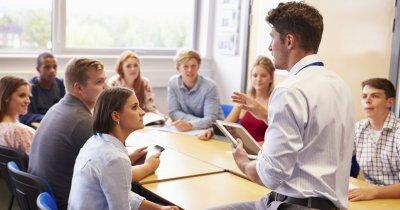 Burse de 5.000 euro pentru cadre universitare. Cine poate beneficia?