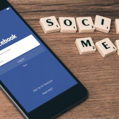 Facebook permite accesul în grupuri pentru paginile oficiale